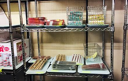 箸や食材をスマートマットで管理する様子